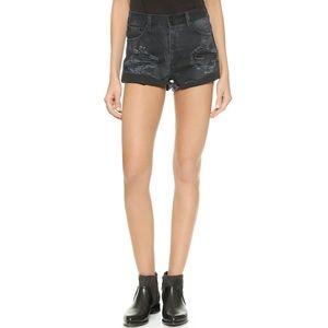 ONE X ONE TEASPOON HAWKS BLACK DISTRESSED SHORT